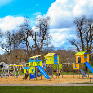 Rotaļu laukumu aprīkojums